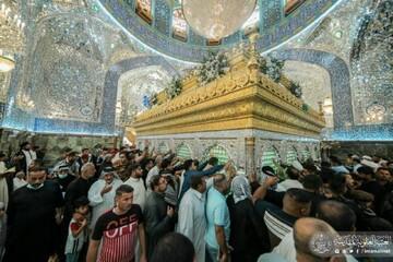 مرقد أمير المؤمنين(ع) يحتضن جموع الزائرين المهنئين بولادة الرسول الكريم (ص)