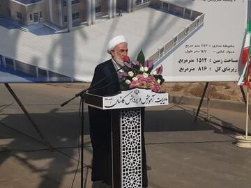 کلنگ مدرسه حاج محمود کفیل در کاشان به زمین زده شد