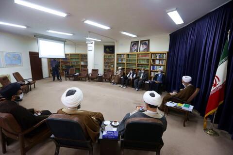 دیدار عوامل اجرایی «پروژه نجف» یا همان ناصر جامع فقیه با آیت الله اعرافی