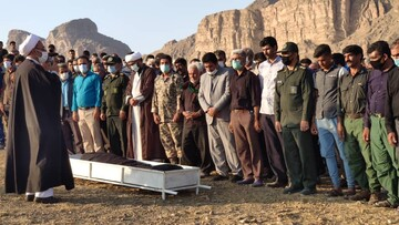 امام جمعهای که برای تسکین قلبهای داغدار راهی روستاهای محروم میشود
