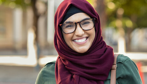How do young Muslims deal with hate speech and verbal assault