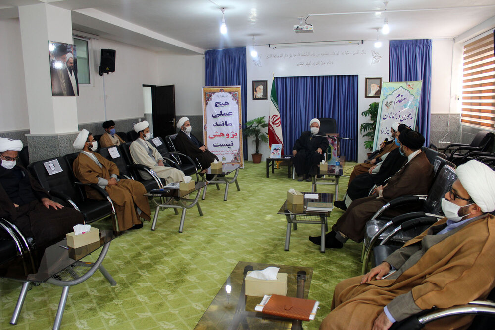 تصاویر/ نشست روحانیون عقیدتی سیاسی نیروی انتظامی  با نماینده ولی فقیه در خراسان شمالی