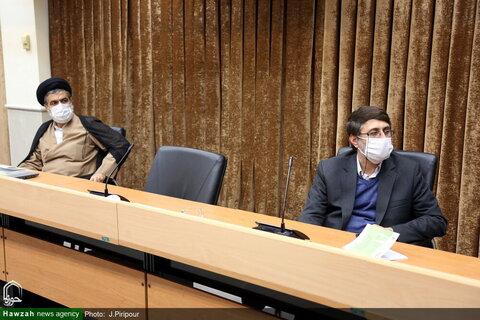 بالصور/ مؤتمر دولي حول أزمة كورونا والمهام القانونية والأخلاقية المتعلقة بمراعاة الضوابط الصحية العامة بقم المقدسة