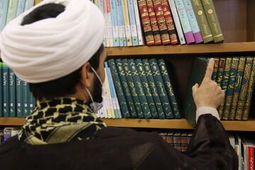 انتشار ۱۰ کتاب در راستای همایش بین المللی «جاودانگی نفس در اسلام و مسیحیت»