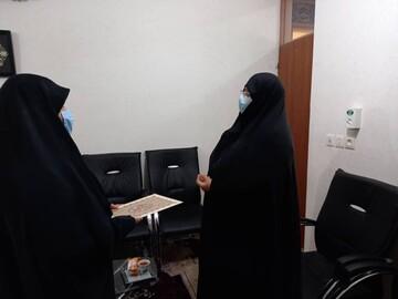 تجلیل از نویسنده فعال بوشهری حوزه بانوان