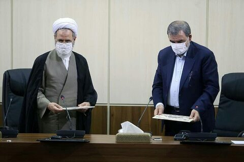 بالصور/ توقيع مذكرة تفاهم للتعاون المشترك بين الحوزات العلمية في إيران ومجمع تشخيص مصلحة النظام