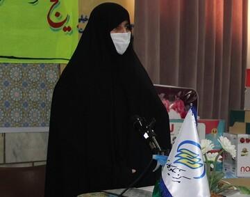 خواهران طلبه تا شکست کامل بیماری کرونا به مردم خدمت خواهند کرد