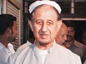 خبر غم، حکیم امت مولانا ڈاکٹر کلب صادق انتقال کرگئے