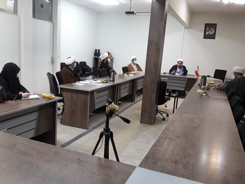نشست مسئول کمیته مشاوره ستاد مقابله با بحران و حوادث غیرمترقبه حوزههای علمیه با کارگروه ویژه اقدامات گروههای جهادی حوزویان آذربایجان شرقی