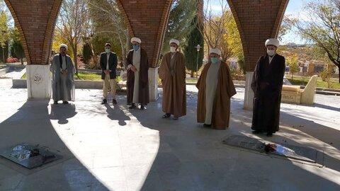 غبار رویی مزار شهدا به مناسبن هفته بسیج -ایلام