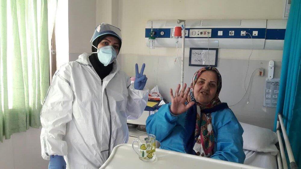 تصاویر شما/ خدمت رسانی طلاب جهادگر استان مرکزی به بیماران کرونایی