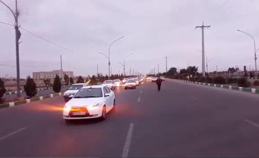 فیلم | راهپیمایی خودروئی مردم انقلابی قم از حرم تا جمکران