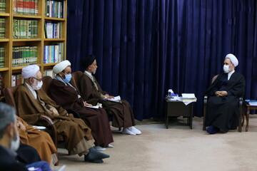 تصاویر/ دیدار اعضای ستاد اعتکاف کشور با آیت الله اعرافی