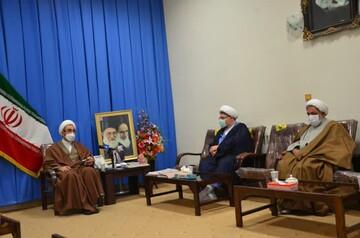 اهمیت حضور طلاب و روحانیون جهادی در بیمارستانها به منظور تقویت روحیه بیماران کرونایی