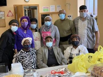 خیریه اسلامی در نیوجرسی به نیازمندان غذا و لوازم ضروری میدهد + تصاویر