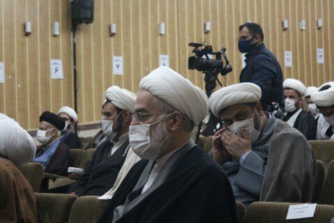 تصاویر/ نشست روحانیون و طلاب بیجار با نماینده ولی فقیه در استان کردستان