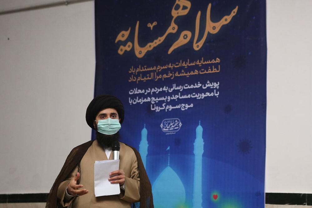 طلاب و روحانیون جهادی در خط مقدم مقابله با کرونا ایستاده اند