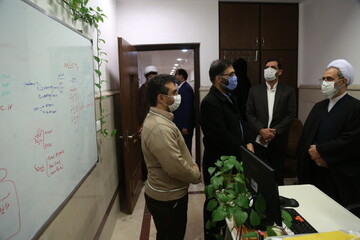 تصاویر/ بازدید آیت الله اعرافی از مرکز فناوری اطلاعات حوزههای علمیه