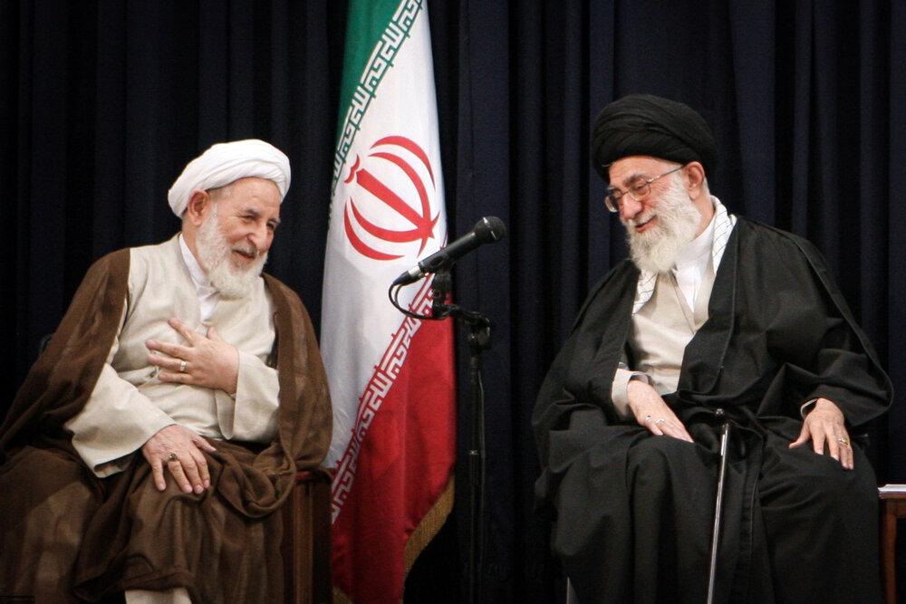 تصاویری از مرحوم آیتالله محمد یزدی در کنار رهبر معظم انقلاب