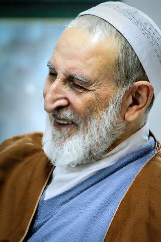 تقرير مصور عن الفقيد آية الله اليزدي مع قائد الثورة الإسلامية المعظم