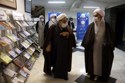 تصاویر/ تجلیل از مقام علمی ایت الله خوشنویس و رونمایی از کتاب های ایشان