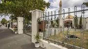 شعارنویسی نفرت محور در خارج از مسجد کرایست چرچ