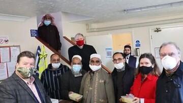 داوطلبان مسجد نوریچ، هر هفته به بیخانمانها غذارسانی میکنند