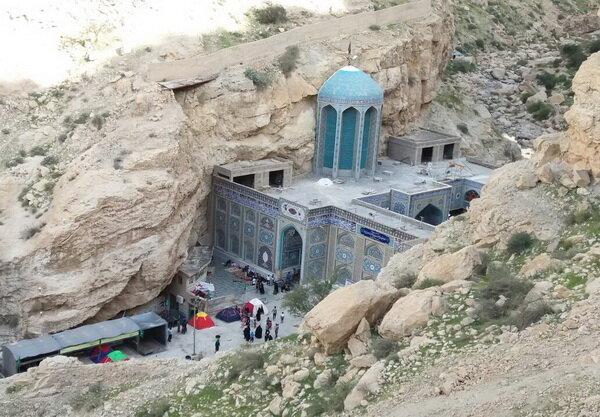 اقدامات عمرانی و فرهنگی در بقعه متبرکه بیبی حکیمه(س) گچساران + عکس