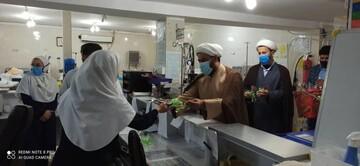 تقدیر حوزویان از کادر درمان بیمارستان نظام مافی شهرستان شوش