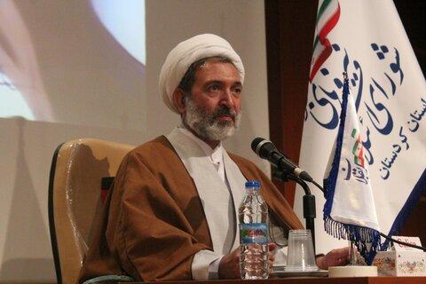 تصاویر/ نشست مسئول دفتر امور سیاسی و اجتماعی حوزه های علمیه کشور با فعالان سیاسی و فرهنگی کردستان