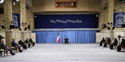 بالصور/ لقاء القائمين على مراسم ذكرى استشهاد قادة النّصر بالإمام الخامنئي