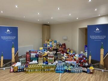 مسجد روچدیل، ۱ تن غذا برای بانکهای غذا جمع آوری کرد