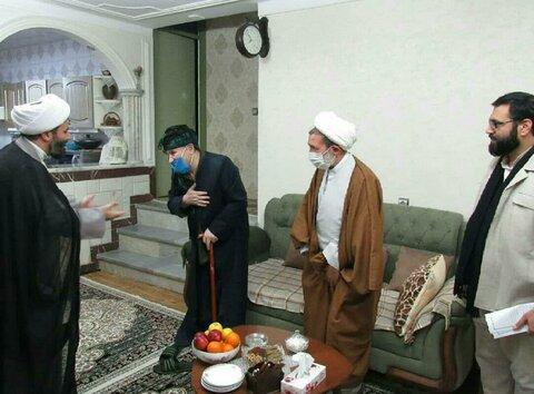 تصاویر/دیدار مسئول دفتر سیاسی اجتماعی حوزه های علمیه و مدیر حوزه علمیه کردستان با روحانی مبارز و انقلابی؛ حاج ماموستا حسامی