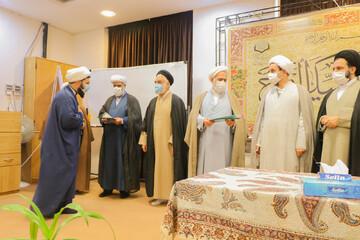 تصاویر/ تجلیل از طلاب جهادی حوزه علمیه اصفهان فعال در بیمارستان های کرونایی
