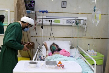 جهادگرانی که جای خالی خانواده بیماران کرونایی را پر کردند