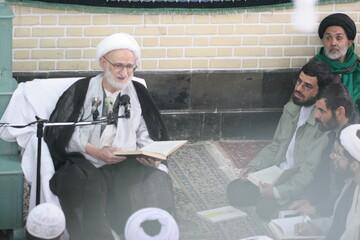 تصاویر آرشیوی از درس خارج آیت الله العظمی بهجت (ره) در دی ماه ۱۳۸۴