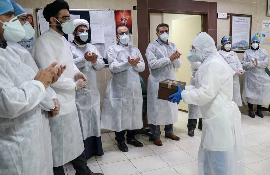 کلیپ | تجلیل جهادگران سلامت آذربایجان شرقی از پرستاران بیمارستان امام رضا(ع)تبریز