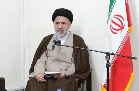 دیدار هیأت رئیسه و رؤسای کمیسیون های مجمع نمایندگان طلاب با آیت الله حسینی بوشهری