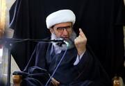 شیخ پناه برده به فرانسه یا جاهل بی سواد و یا مغرض بی قلب است
