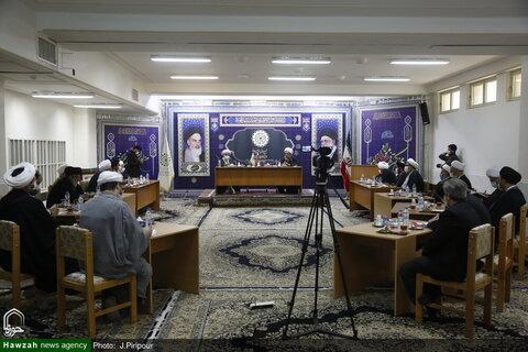 بالصور/ رئيس مركز الأئمة الأطهار (ع) الفقهي يتفقد المجمع العالمي لأهل البيت (ع) بقم المقدسة