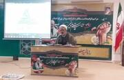 شهید سلیمانی فارغ از نگاه قومیتی و مذهبی به مظلومین کمک می کرد