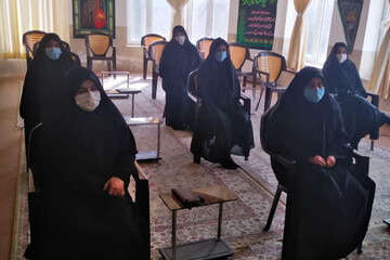 مواضع سیاسی حضرت زهرا(س) در نشست بانوان طلبه تفتی بررسی شد