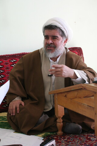 تصاویر آرشیوی از مصاحبه خبرگزاری حوزه با مرحوم حجت الاسلام والمسلمین راستگو در دیماه ۱۳۸۳