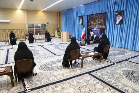 دیدار بانوان مکتب الزهرا با ایت الله ناصری یزدی