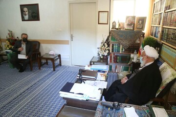 امام جمعه یزد خواستار جایگزینی انرژی خورشیدی در ادارات پرمصرف یزد شد