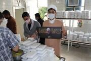 تصاویر / طبخ و توزیع ۱۱۰۰ پرس غذای گرم میان نیازمندان از سوی قرارگاه عمار منصوریه با همکاری سازمان بسیج طلاب فارس