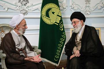 تقرير مصور عن الفقيد آية الله مصباح اليزدي مع قائدة الثورة الإسلامية