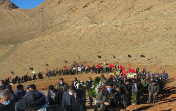 تصاویر/ تشییع و تدفین ۲ شهید گمنام در دانشکده روانشناسی و علوم تربیتی مهدیشهر