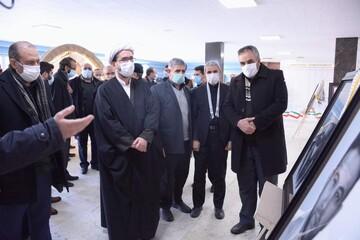 تصاویر / افتتاح نمایشگاه نقاشی سیاه قلم شهدای مدافع حرم در تبریز