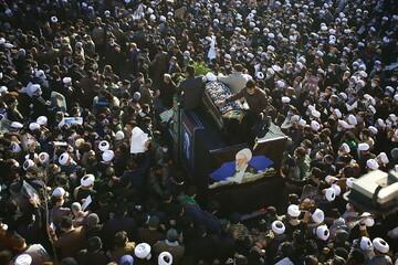 تصاویر/ آیت اللہ مصباح یزدی حرم حضرت معصومہ (س) میں سپرد خاک